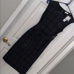 NWT tie front plaid dress. Size medium petite